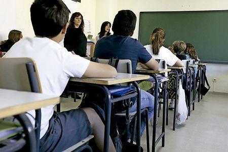 jovenes-alumnos-aula